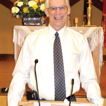 Minister David Walker will perform Sunday service at SunBird Community Church on November 2.