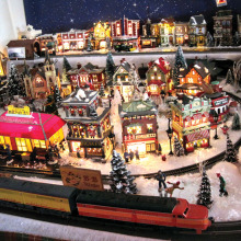 Take some time this holiday season to visit a model train exhibit!