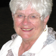 Oakwood Lady Niners' Pairings Co-chair Sheila Bossio