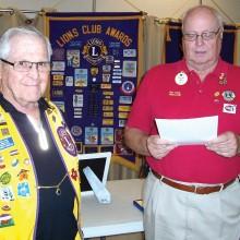 Lion Dorsey Gruver receives an award!