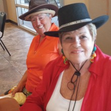Lynda Smith (left) and new President of 18 Holers, Pinky Kubiak