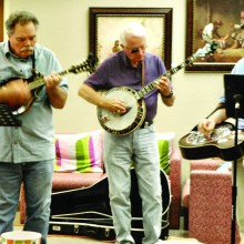 The Dry Heat Pickers entertain guests at The Perfect Place