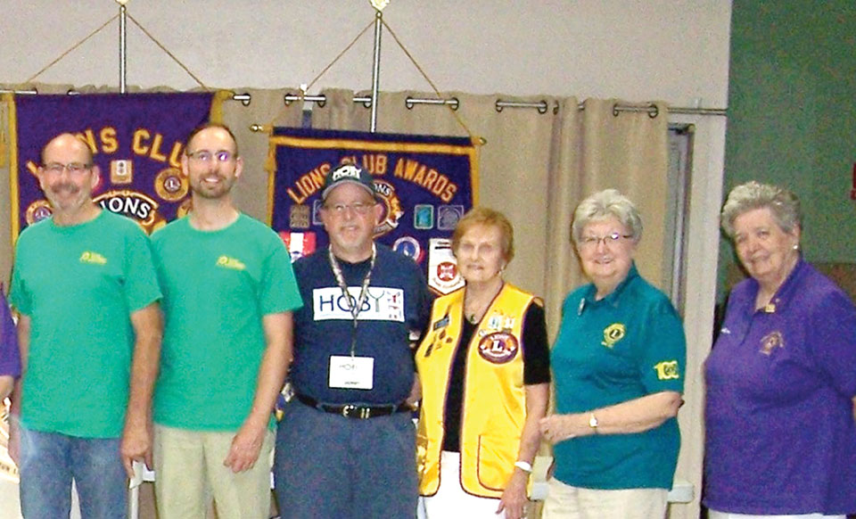 Left to right: Curtis Alcorn, Austin Alcorn, Ron Gillet, Barbara Carr, Ruth Palmer and Pat Hollander