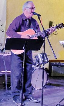 Rob Wright rocking 'n' rolling at the Arizona Classic Jazz Festival